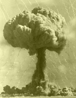559047-atomic-bomb