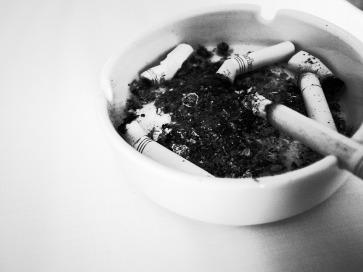 ashtray-776740_960_720
