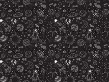 naadloos-patroon-kosmische-geplaatste-voorwerpen-hand-getrokken-vectorkrabbels-raketten-planeten-constellaties-ufo-sterren-enz-66727263