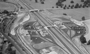 Motorway Services 1961  AFL03_aerofilms_a94297