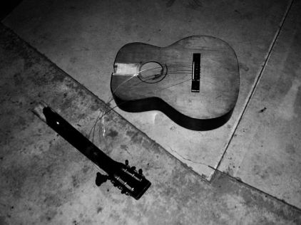 neil_aitken_broken_guitar