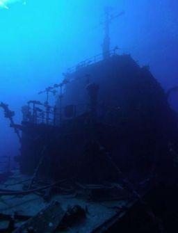 c1eb13df6e3f5c0dee16b313c0b04f30--abandoned-ships-ship-wreck