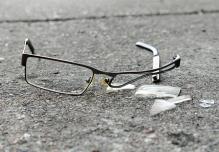 1216vsm_pvogelTips_brokenGlasses