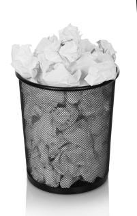 balde-do-lixo-que-transborda-com-o-papel-amarrotado-isolado-no-branco-80246042